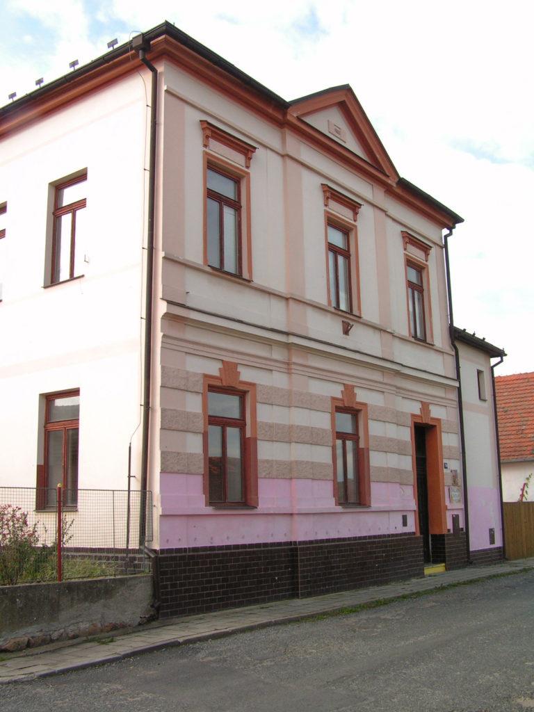 Budova Školy v Novosedlech